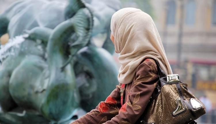 scarf hijab niqab